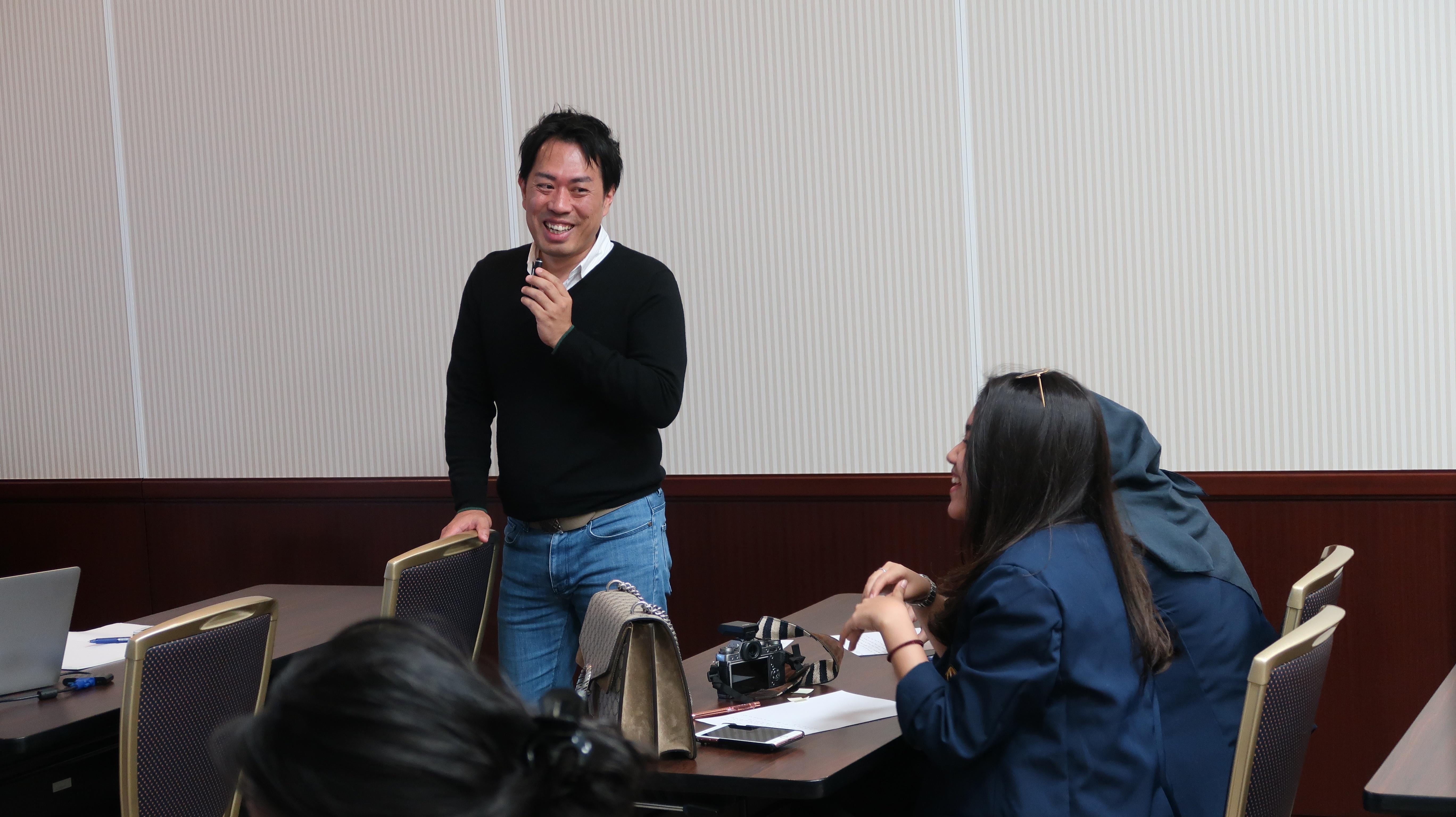 インドネシア パジャジャラン大学MBAの生徒に多国間ビジネスについて講義を実施